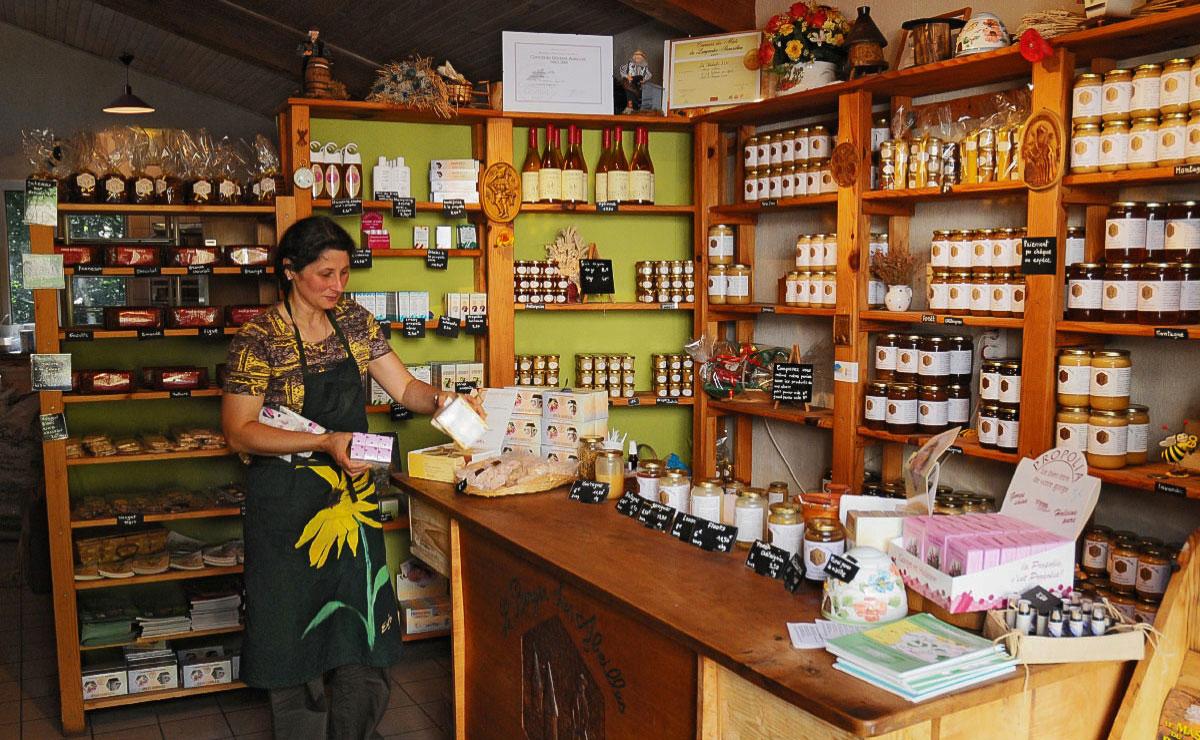 Artisans et producteurs du Haut Languedoc. Boutique d'Alain Mérit berger des abeilles